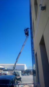 limpiar-ventanas-por-fuera-plataforma