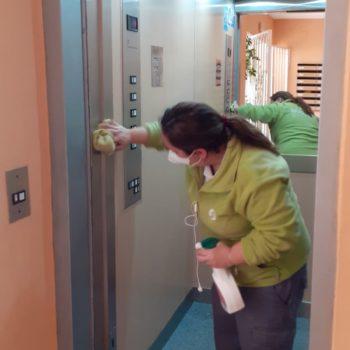 como-limpiar-el-acero-inoxidable-del-ascensor