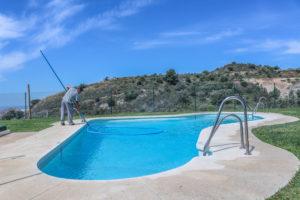 como-limpiar-el-fondo-de-la-piscina